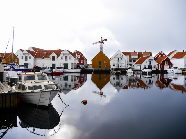 Spiegeleien im Hafen